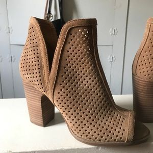 Lucky Brand Livey Open Perforated Suede Bo…